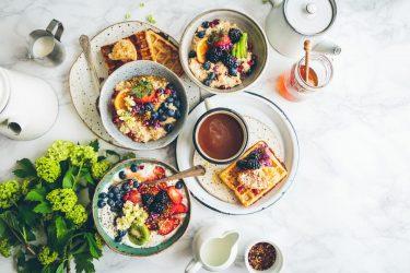 LAVAホットヨガ後の食事時間を空けるのが無理な時はどうしたらいい?体験レッスンを予約する前にホットヨガの食事の時間制限を知っておこう!
