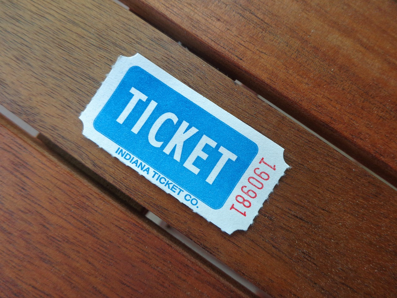 ホットヨガスタジオLAVAのマンスリー4と1回券どっちがお得?料金や永久会員制度についても解説!